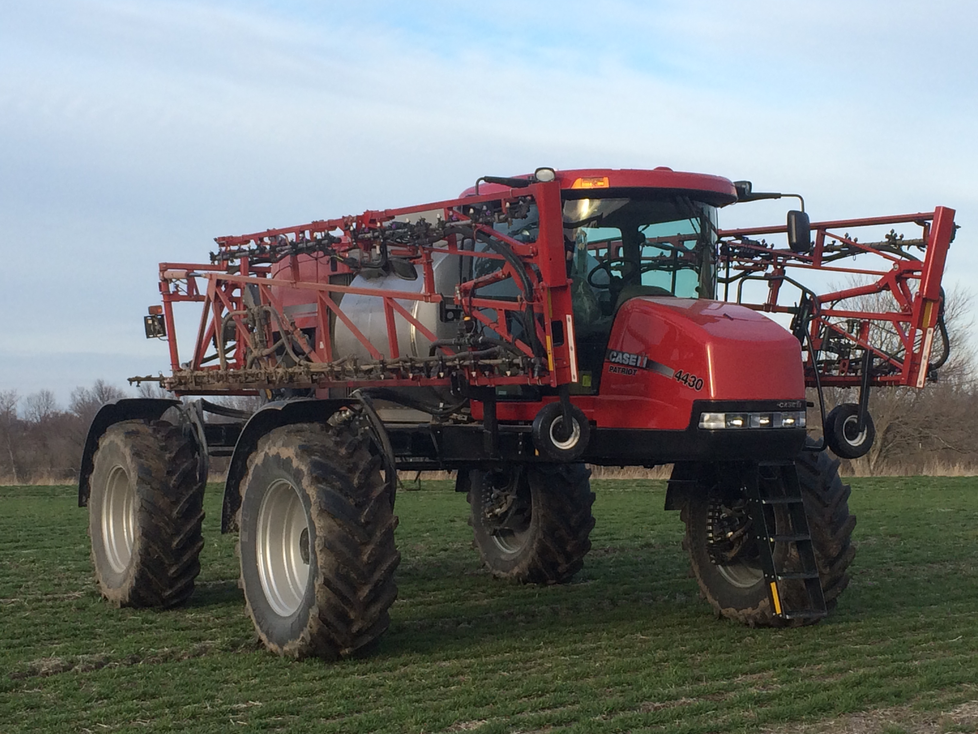 Patriot 4430 field crop sprayer