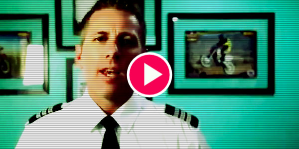 Airline pilot takes stand against vaccine mandate. Asks everyone to join him…